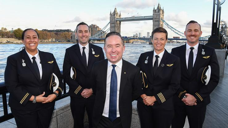 Alan Joyce with Qantas pilots in London