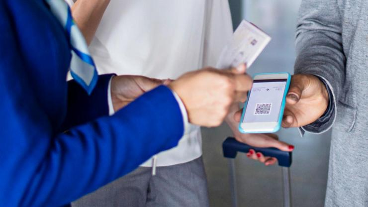 QR scan to check-in at airport